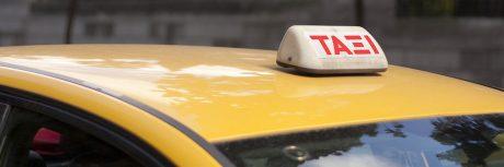 pedir taxi en artana