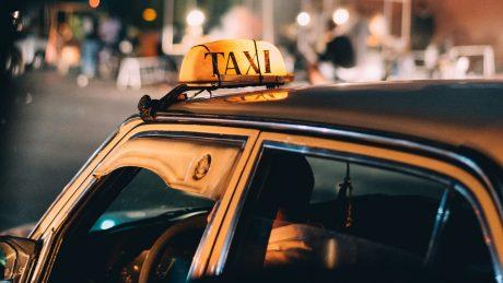 pedir taxi en boalo