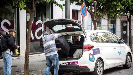 pedir taxi en el gastor