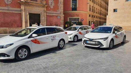 pedir taxi en higueruela