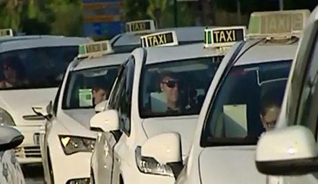pedir taxi en nijar