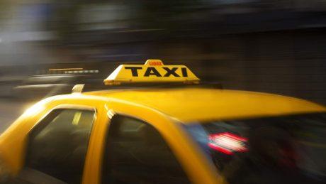pedir taxi en real de gandia