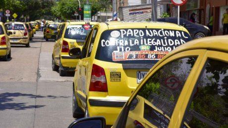 pedir taxi en robledo el