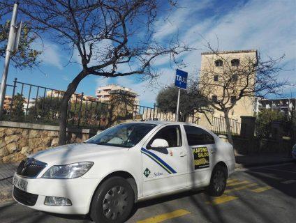 pedir taxi en salou