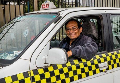 pedir taxi en san isidro