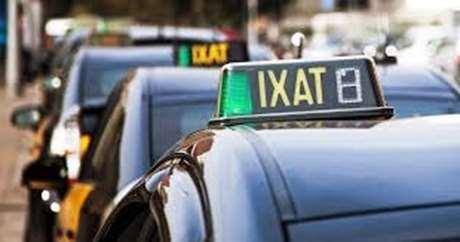 pedir taxi en sant julia de ramis