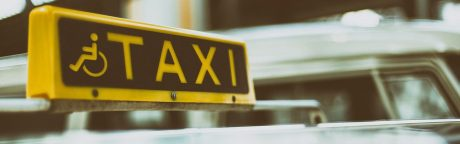 pedir taxi en sant just desvern