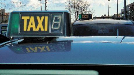 pedir taxi en vendrell