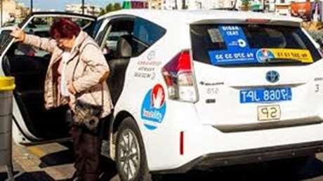 taxista-vehiculo-de-lujo-San Cristóbal de Entreviñas