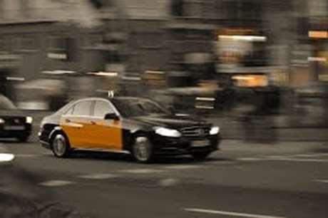 taxista-vehiculo-de-lujo-Ribaforada