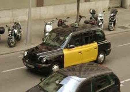 pedir-taxi-ninos-colegio-Benicarló