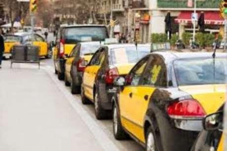 pedir-taxi-parada-Pantón