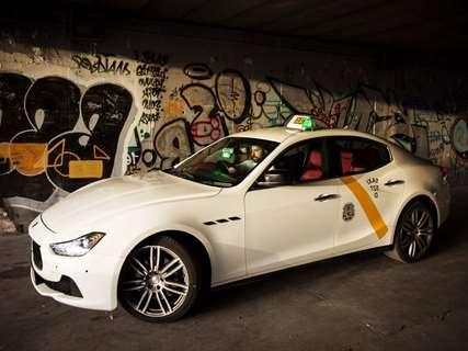 reservar-taxi-servicio-paqueteria-Buñol